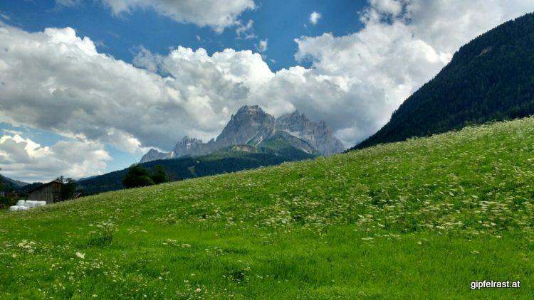 Blick von Sexten auf die Dolomiten