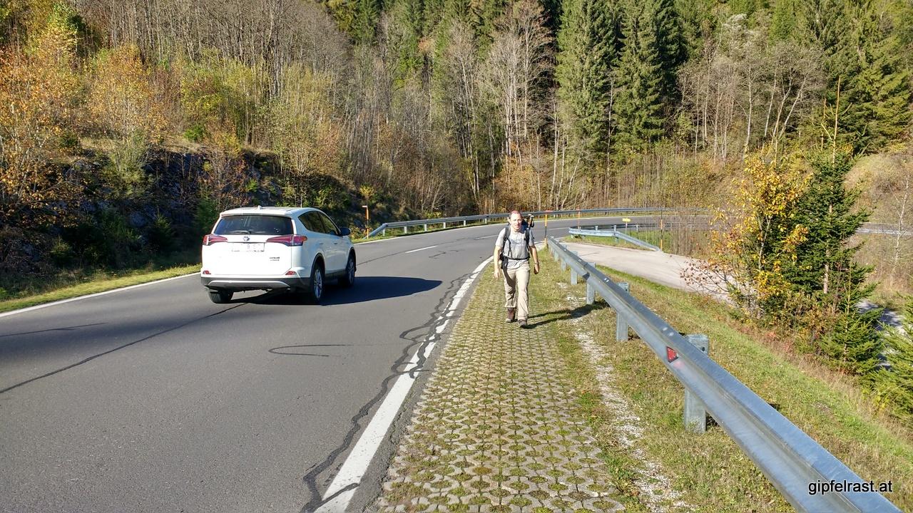 Die letzte Steigung - auf der gut ausgebauten Pilgerautobahn....
